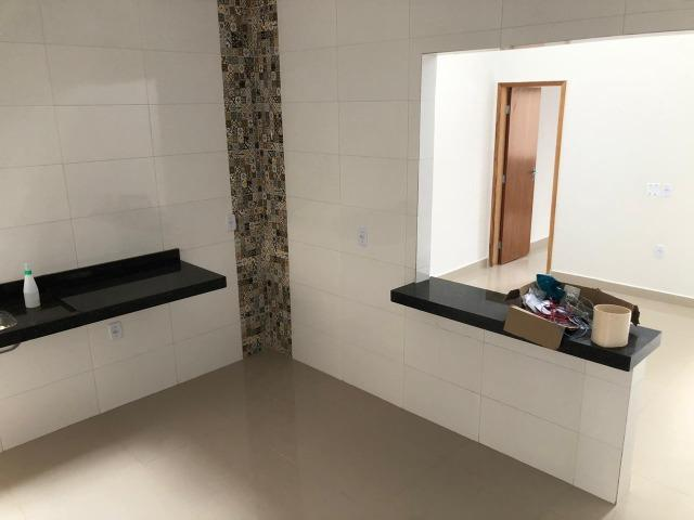 Casa nova 2 suites 2 vagas otima localização ac financiamento - Foto 3
