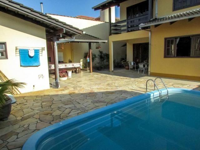 Casa à venda com 5 dormitórios em Iririú, Joinville cod:4139