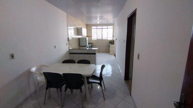 Aluga-se apartamento semi mobíliado - Foto 3