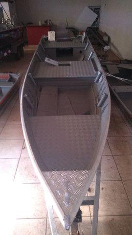 Barco 6 metros borda alta - Foto 3