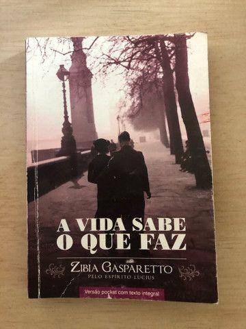 Livros da Zibia Gasparetto por 10 reais  - Foto 2