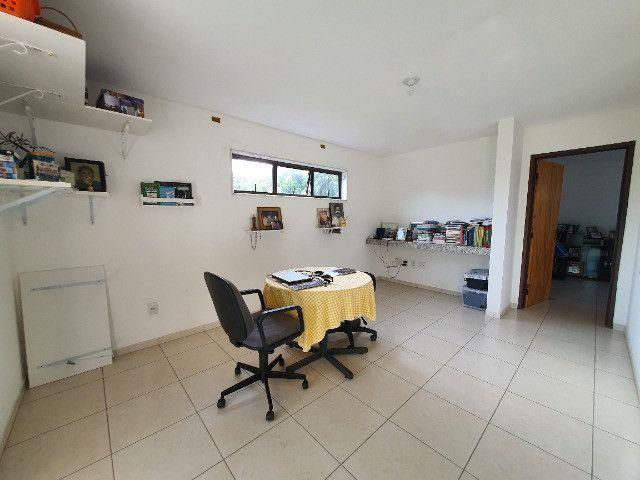Casa Bem Arborizada em Condomínio Beira de Pista   Oficial Aldeia Imóveis - Foto 13