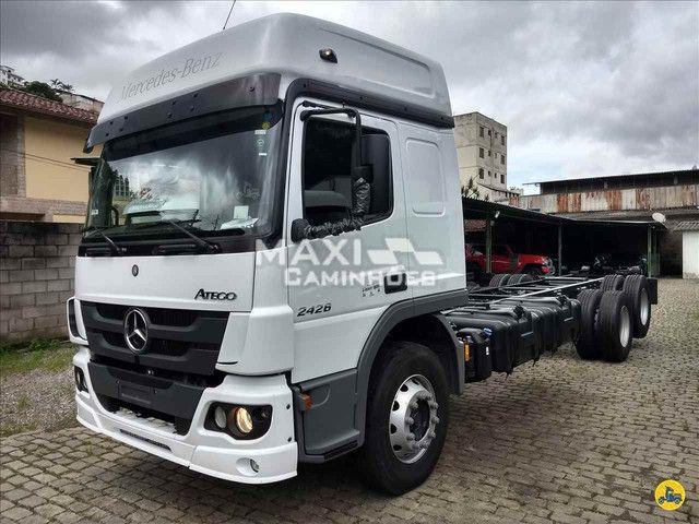 MB Atego 2426 6x2 Truck OKM Completo Pronta entrega - Foto 3
