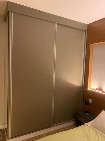 Apartamento Mobiliado e decorado. 2 dorm, 1 suíte. Lazer completo! Região Central - Foto 17