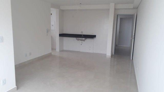 Apartamento de Dois Quartos - Suíte - Duas Vagas - Alto Padrão // Castelo Manacás - Foto 4