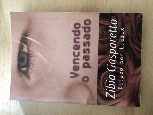 Livros da Zibia Gasparetto por 10 reais  - Foto 4