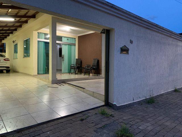 Casa com lote 360mt com 3 vagas de garagem bairro laranjeiras  - Foto 5
