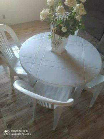 Mesa desmontável com 4 cadeiras - Foto 3