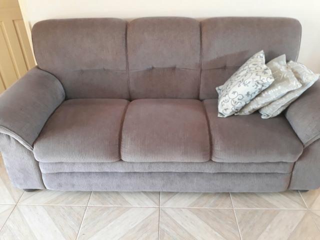 Sofa novinho cor cinza