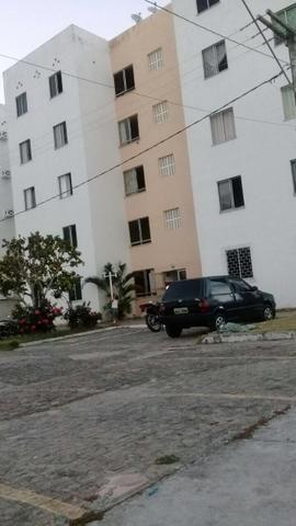 Alugo apartamento no condomínio Jaime Norberto