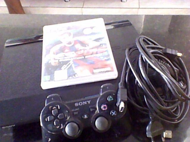 PlayStation 3 pouco usado em ótimo estado