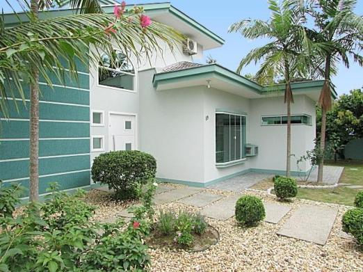 Casa à venda com 3 dormitórios em Saguaçú, Joinville cod:10218