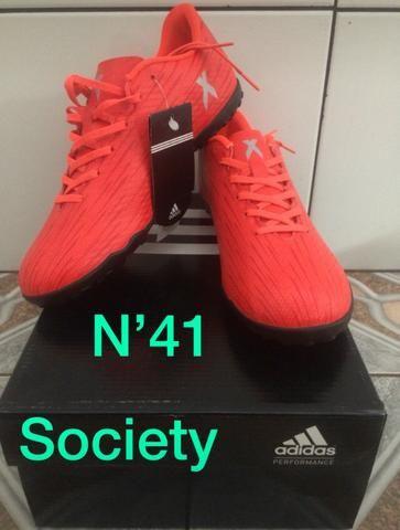 3a7dde992d Chuteira society Adidas N 41 - Esportes e ginástica - Parauapebas ...