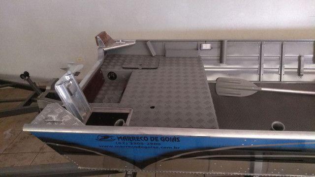 Barco 6 metros borda alta