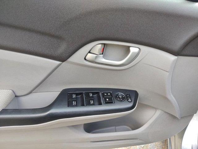 Honda Civic 1.8 Lxs 16v Flex Manual - Foto 13
