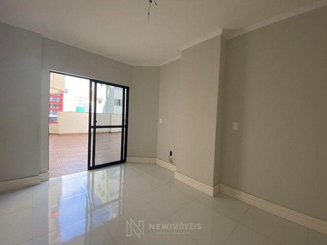 Apartamento Diferenciado com 4 Dormitórios em rua reta ao mar em Balneário Camboriú - Foto 14