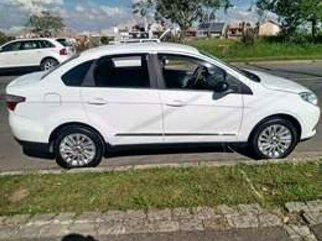 Fiat GRAND SIENA 1.6 entrada de 8.000  - Foto 3