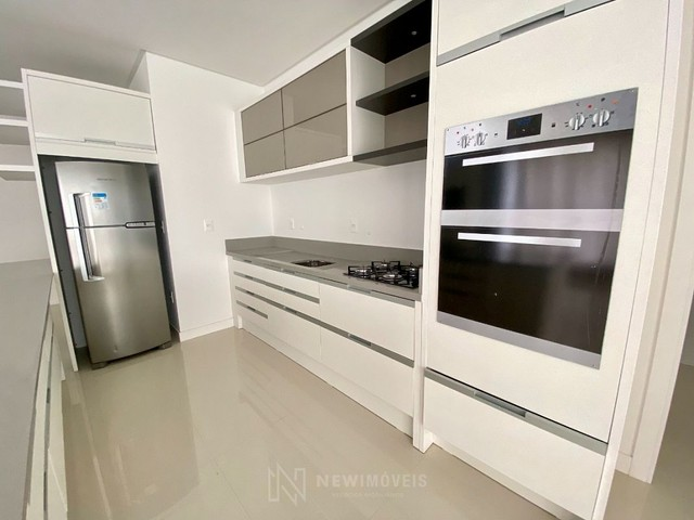 Apartamento Semi-Mobiliado 3 Suítes e 3 Vagas em Balneário Camboriú - Foto 8