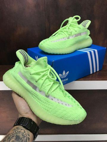 Tênis Adidas Yeezy Boost 350 v2 - 350,00 - Foto 3