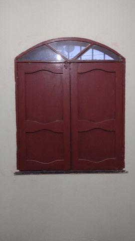Porta e janelas com o caixilho