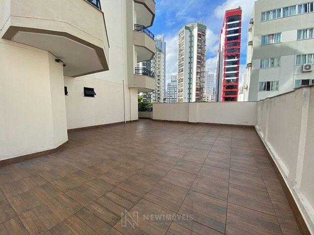 Apartamento Diferenciado com 4 Dormitórios em rua reta ao mar em Balneário Camboriú - Foto 7