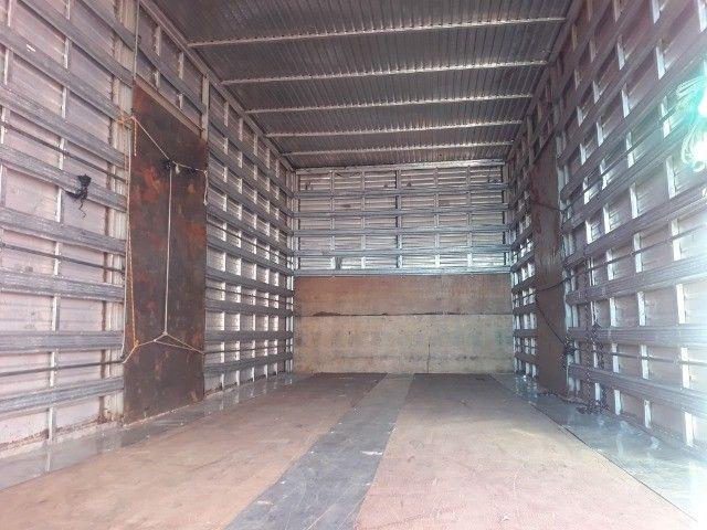 Caminhão vw 17.280 Constellation Baú 12/12 - Foto 14