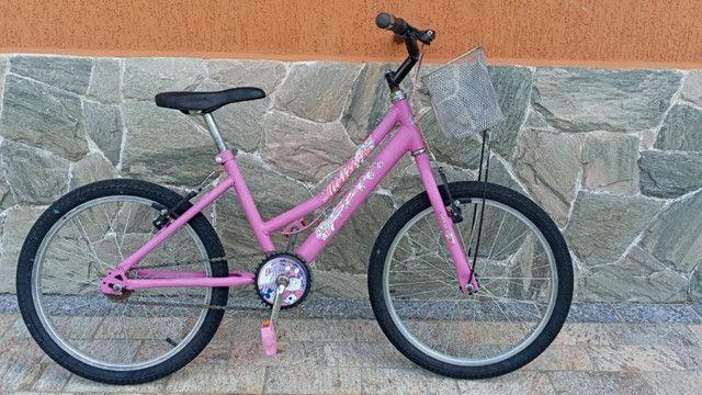 Vende-se Bicicleta de menina Aro 20