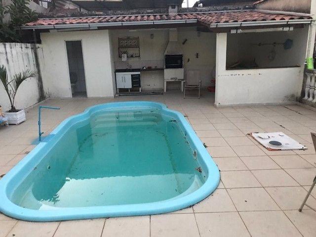 2 casas Monte Castelo com 4 quartos e 2quartos, piscina, terreno pomar, gar 5 carro