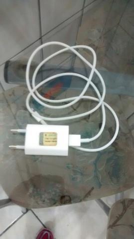 Carregador de iPhone 80,00