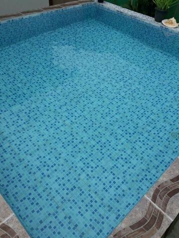 Vendo esta casa com piscina na forene