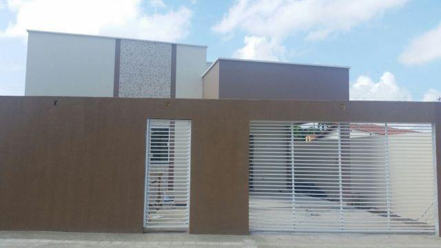 Casa podendo ser financiado em residencial fechado(2 quartos s/ 1 suite)