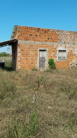 Vendo uma casa ou troco por carro ou material de construção