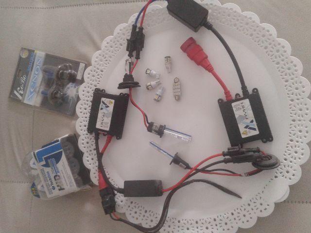Kit Xenôn e lâmpadas LeD