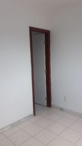 Apartamento 2/4 na Estrada do Coco - Foto 10