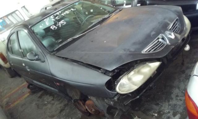 Sucata de Renault Megane RT 1.6 16v 2001 para retirada de peças - Foto 4