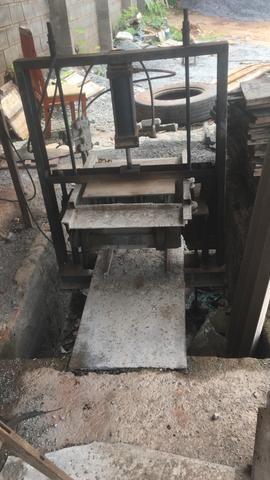 Venda de máquina de fazer bloco e canaleta - Foto 2