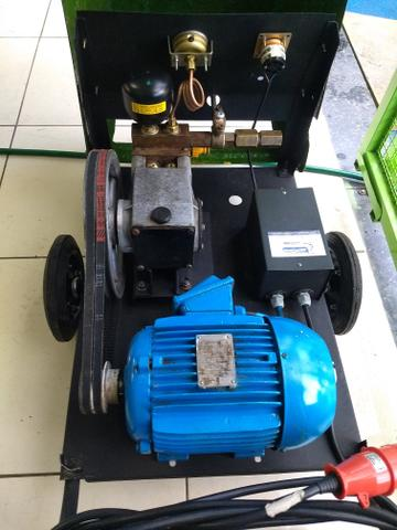 Lavadora de alta pressão Karcher HD 800 - Foto 2