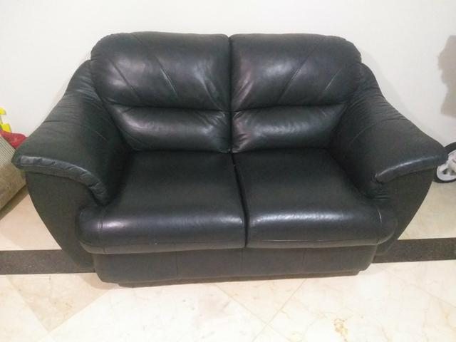 Sofa de couro legitimo cor preta