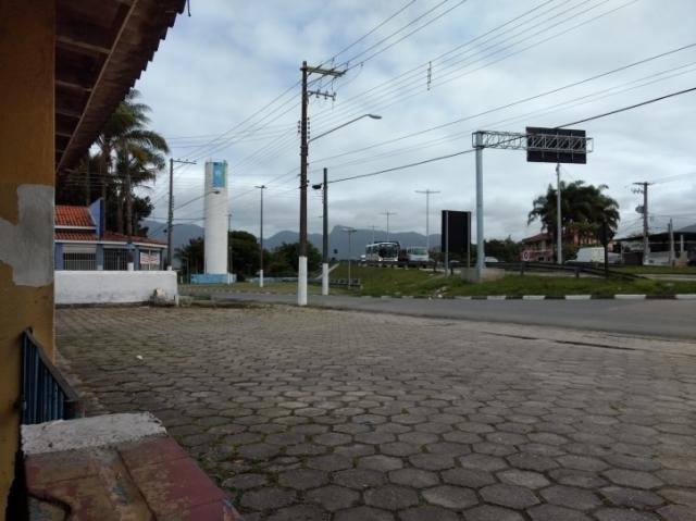 900 metros frente rodovia caraguatatuba - Foto 2