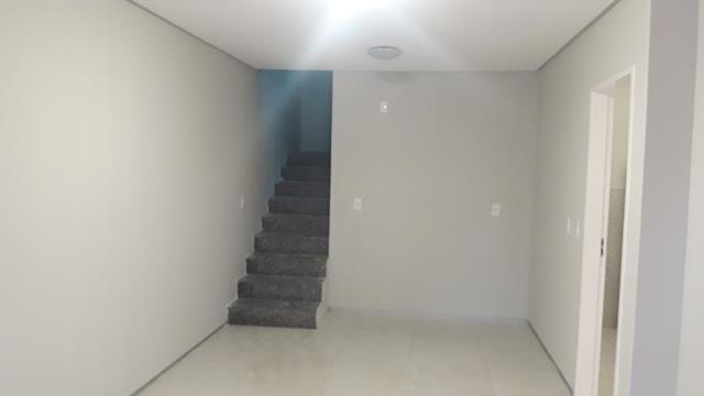 Vende-se casa duplex em condomínio - Foto 7