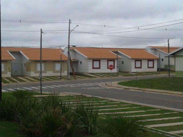 Condomínio Rio Jangada casa de 02 quartos sendo 01 suite Ac. Financiamento