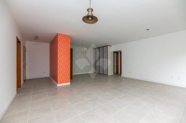 Apartamento à venda com 3 dormitórios em Moinhos de vento, Porto alegre cod:8096
