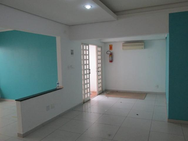 Casa Comercial - R. Sen. Souza Naves - (Próx. Av. Bandeirante - em frente Clinilab) - Foto 2
