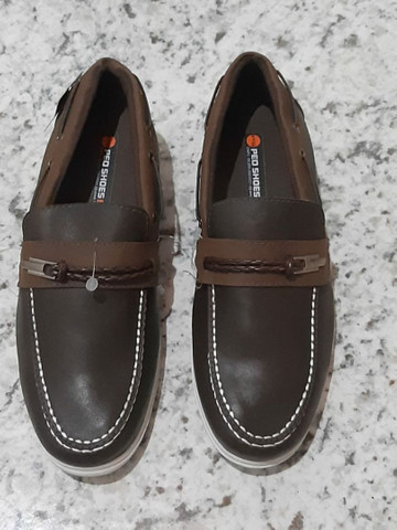 Sapatos masculino e feminino