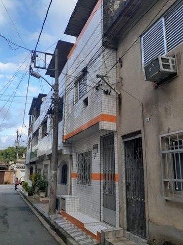 Sobrado 02 dorm 03 wcs Geminado, Radio Clube em Santos.SP.