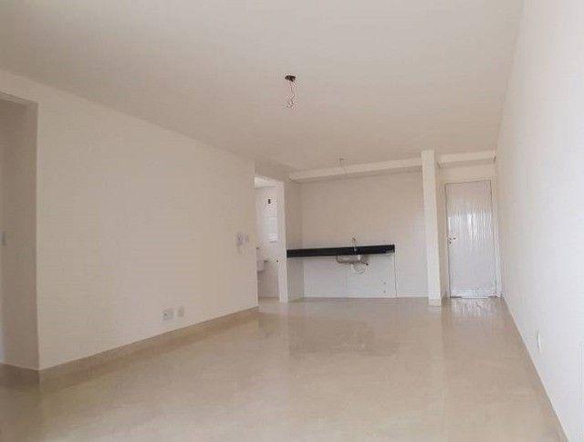 Apartamento de Dois Quartos - Suíte - Duas Vagas - Alto Padrão // Castelo Manacás - Foto 2