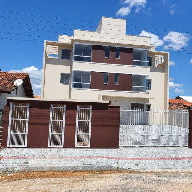 Apartamento novo 2º andar 2 quartos perto da praia em Barra Velha