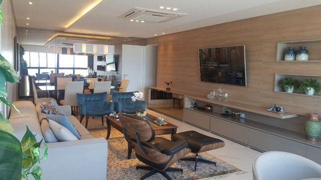 Dj- Apartamento andar alto com moveis fixos e planejados de luxo no Ed Jardim da Aurora