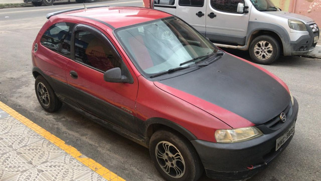 Chevrolet Celta vermelho - Foto 2