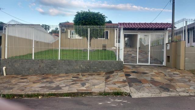 Casa, 2 dormitórios, excelente localização (165 m² área construida)